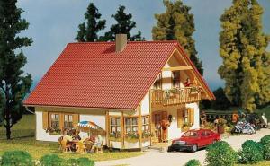 Модель дома Romantica.Пр-во FALLER.Арт.130301.Масштаб НО (1:87).
