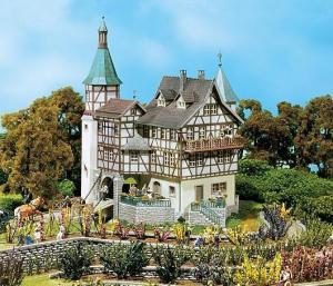 Модель охотничего замка Falkeneck.Пр-во FALLER.Арт.130385.Масштаб НО (1:87).