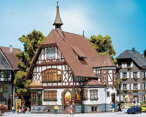 Модель здания ратуши Allmannsdorf.Пр-во FALLER.Арт.130427.Масштаб НО (1:87).