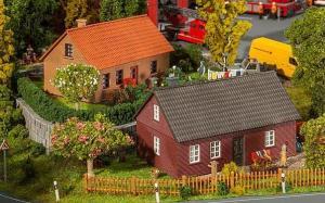Модель 2-х домов из клинкерного кирпича.Пр-во FALLER.Арт.130507.Масштаб НО (1:87).