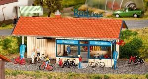 Модель строения,для аренды горных велосипедов.Пр-во FALLER.Арт.130508.Масштаб НО (1:87).