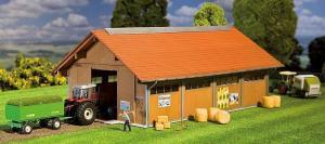 Модель небольшой фермы для животных-коров,лошадей и др.Пр-во FALLER.Арт.130522.Масштаб НО (1:87).