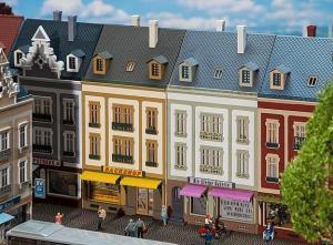 Модель 2-х городских домов ул.Beethovenstraße.Пр-во FALLER.Арт.130702.Масштаб НО (1:87).