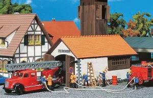 Модель старой пожарной части с деревянной вышкой наблюдения.Пр-во FALLER.Арт.131240.Масштаб НО (1:87).