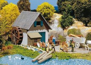 Модель старой небольшой водяной мельницы.Пр-во FALLER.Арт.131242.Масштаб НО (1:87).