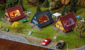 Модель 3-х домиков для летнего отдыха.Пр-во FALLER.Арт.130606.Масштаб НО (1:87).
