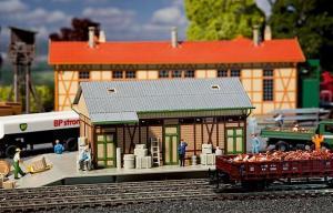 Модель старинного небольшого грузового склада.Пр-во FALLER.Арт.131266.Масштаб НО (1:87).