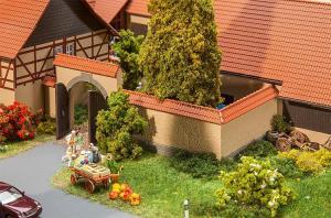 Модель забора с арочными воротами.Пр-во FALLER.Арт.180400.Масштаб НО (1:87).