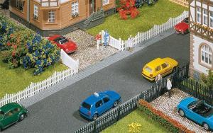 Модель комплекта садовых заборов с дверью для входа длиной 710мм (0,71м).Пр-во FALLER.Арт.180410.Масштаб НО (1:87).