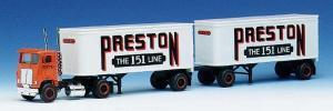 Раритет!!!Модель грузовика US Freightliner Preston с 2-х осным прицепом.Пр-во Herpa.Арт.140690.Масштаб НО (1:87).